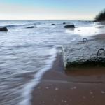 Saka lähistel vedeleb meres väidetavalt ohtlik toru