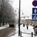 Kohtla-Järve keelas osadel tänavatel parkimise