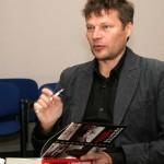 Virumaa kirjandusauhinna pälvis Hvostovi Sillamäe-raamat