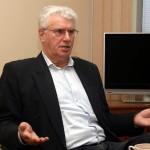 Nitroferdi peadirektor alustas tehases kolmanda kategooria lukksepana