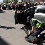 Politseimaja avati pättide kinninabimisega