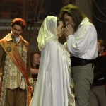 """""""Junona ja Avos"""" lavastati prantsuse moelooja Pierre Cardini palvel"""