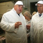 President Ilves uudistas Jõhvis piimatööstust