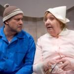 Rakvere teatri peanäitejuht − vana Kotkas ise − soosib teatritrupi teletööd