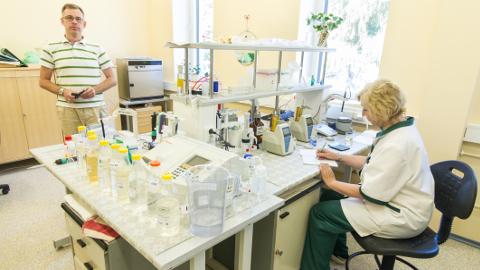 Allar Aron tõdes, et Virumaa labori praegused võimalused on ajale jalgu jäänud.