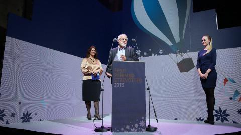 OÜ Westaqua-Invest juhatuse liige Valeri Lavrov aasta välisinvestori auhinda vastu võtmas. Aquaphori veefiltrite Narva tehas avati 2014. aasta lõpus.