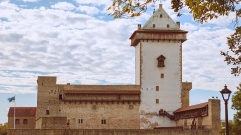 Sihtasutus Narva Muuseum sõlmis arhitektuuribürooga JVR Narva linnuse rekonstrueerimise projekteerimislepingu.