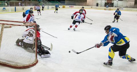 Viru Sputniku kapten Maksim Urlihh viskas laupäevases mängus kaks väravat. Pildil olev tabamus kolmandal kolmandikul osutuski seekord otsustavaks võiduväravaks.