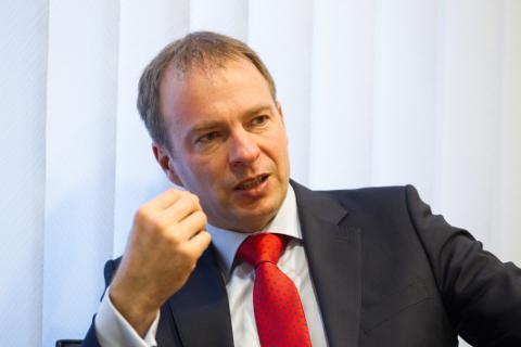 Hando Sutteri hinnangul on järgmisel aastal 100aastaseks saaval Eesti põlevkivitööstusel kogunenud rohkesti oskusteavet, mida on võimalik märksa rohkem ka välismaale müüa ja Eestile raha teenida.