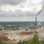 Kiviõli Keemiatööstus kärpis töötajate palka