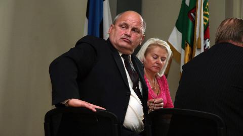 Kaarel Pürg teenis mullu 100 töötunni eest 4950 eurot. Volikogu esimees Niina Neglason peab Pürgi töötundide arvestamist ebaeetiliseks.