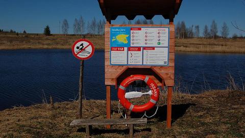 Veeohutusstendidele päästevahendite soetamist rahastas siseministeerium ning infotahvlite trükki ja logistikat päästeamet.