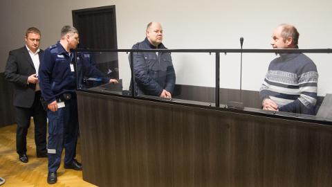 Allan Mänd ja Märt Marits toodi möödunud neljapäeval Viru maakohtusse, arutamaks nende vahi alt vabastamise küsimust. Kuid seda kohus ei arutanudki ning asi jõudis kokkuleppemenetluseni.