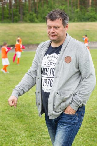 Marko Kristal püüab seista selle eest, et Ida-Virumaa noored ja andekad mängijad Eesti jalgpallile kaotsi ei läheks.