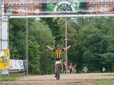 Eesti paremaid maastikurattureid Martin Loo finišeerus pühapäeval kulminatsiooniks kujunenud 30 kilomeetri sõidul esimesena.