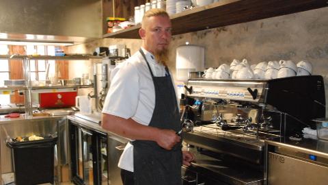 Peakokk Indrek Kõveriku sõnul ei kasutata restoranis Rondeel  poest ostetud pooltooteid. Kõik on värske.