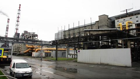 Septembrist peaksid uute Petroteri tehaste kõrval õli tootma ka vanemad Kiviteri tehnoloogial töötavad õlivabrikud, mis aasta alguses turu madalseisu tõttu seisma pandi.