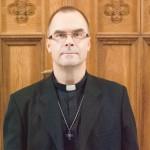 Urmas Karileet tunneb Narva koguduse taastamisel eestpalve jõudu
