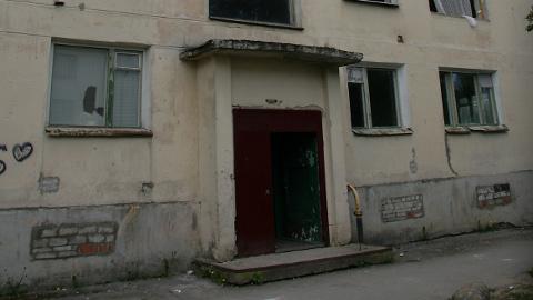 Võib vaid loota, et Kohtla-Järve Vahtra tänava 23. majale, mille elanikud olid sunnitud möödunud talvel oma korterid kütte väljalülitamise tõttu maha jätma, ei lisandu tänavu uusi.
