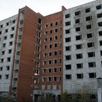 Kohtla-Järve tahab endise ühiselamu lammutada veel sel aastal