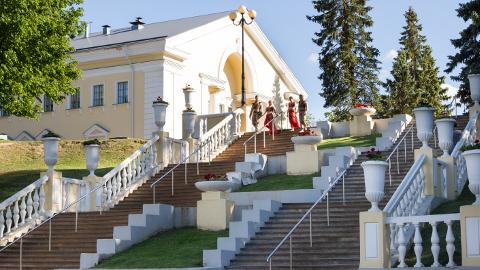 Sillamäe linn oma stiilse arhitektuuri ja saladusliku minevikuga pole eksootiline mitte ainult paljudele Eesti elanikele, vaid ka sakslastele.