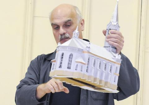 Narva maketimeistri Fjodor Šantsõni käsi on mängus ka selles, et Narva muuseumi näitus pälvis konkursil teise koha.