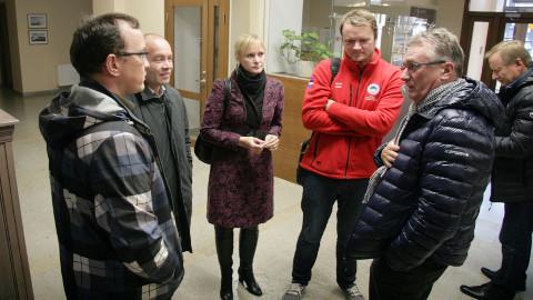 Rahvaküsitlus andis Kohtla-Nõmme, Kohtla ja Toila valla juhtidele teadmise, et nende valdade elanikud ühinemisele vastu ei ole.