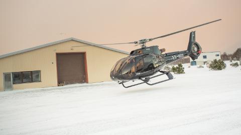 Oleg Gross lendas Ida-Virumaale esimest korda oma Eurocopter EC  130 tüüpi lennumasinaga, mille ostis tänavu sügisel.
