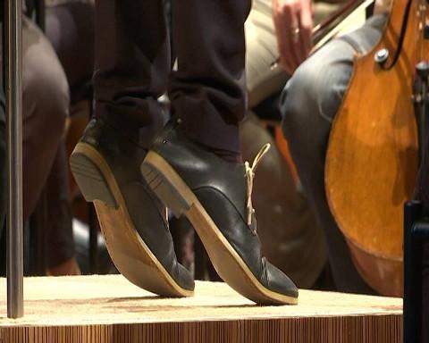 Head uut aastat! Head uut kultuuriaastat! Et see tõstaks jalad maast lahti nagu Kristjan Järvil viimati Jõhvis Eesti riiklikku sümfooniaorkestrit juhatades.