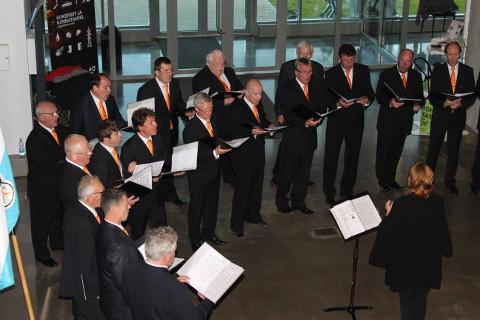 Mullu 60. tegevusaastat kontserdiga Eesti kaevandusmuuseumis tähistanud meeskoor Kaevur laulab ja tantsib augustis Soome meeste tantsupeol. Just nii − laulab ja tantsib ka!