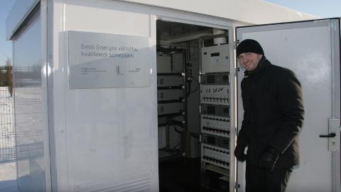 """""""Mõõtmistulemused lähevad seirejaamast otse Tallinna, meie näeme neid keskkonnauuringute keskuse lehelt nagu kõik teisedki,"""" ütles Eesti Energia ökoloogialabori juhataja Reijo Tolberg."""