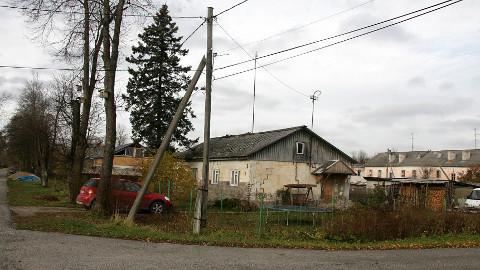 Viivikonna linnaosasse on jäänud registri andmetel veidi üle saja elaniku, kellest osa elab Kohtla-Järve linnavõimude hinnangul seal vaid kevadest sügiseni.