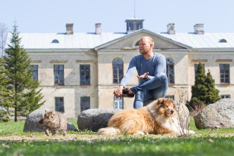 """""""Inimesed, kes on Ontika mõisas käinud, saavad aru, miks me selle koha ostsime,"""" ütleb Kalle Palander."""