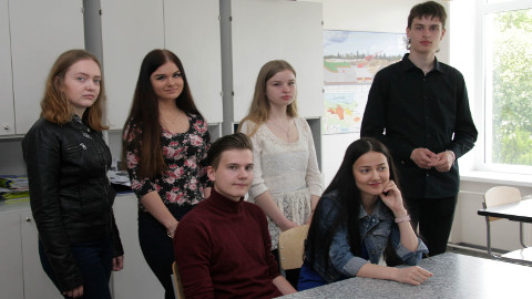 Meie tublid noored lõpetajad: Emily Zavatski, Mileen Arbma, Ragnar Kauril, Tatjana Andronova, Õnne Tera ja Oskar-Daniel Remmelg.