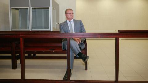 Aleksandr Jefimov oli eile Viru maakohtus kidakeelne, kuid kinnitas, et vaidlustab süüdimõistva otsuse.