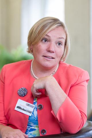 Irene Käosaar ei oska veel öelda, kui paljud integratsiooni sihtasutuse kolleegid temaga koos Narva kolivad, aga töö peab igal juhul tehtud saama.
