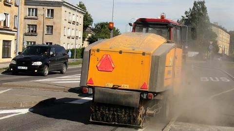 AS N&V on hooldanud Kohtla-Järve linna teid ja tänavaid ning haljasalasid ligemale 20 aastat. Järgneva viie aasta peale tehtud hinnapakkumist ei võtnud linnavalitsus aga vastu ja kuulutab peagi välja uue hanke.
