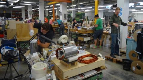 OÜ Waldchnep on töökoha loomise toetusega palganud 27 inimest. Narvas toodetud elektrimootoreid kasutatakse kraanade valmistamisel.