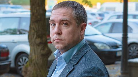Narva linnavolikogu liige Ants Kutti ei kujuta ette, mida konkreetselt võib halduskohus otsustada, et Narva linnavolikogus selle tulemusel seadust täitma hakataks. Ent seda otsust ootavad veel neli opositsioonilise fraktsiooni liiget, kes samuti ühtegi saadikukomisjoni ei pääsenud.